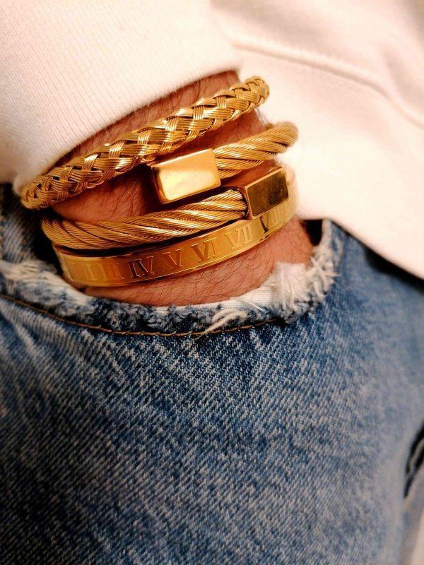 Cool Mens Leather Bracelets, Men's Leather Band Bracelet, Tennis Bracelet Mens Diamond, Guy Bracelets Leather, Stylish Bracelets For Guys, Mens King Bracelet, Handmade Bracelets For Guys, Crown Couple Bracelets, Round Diamond Bracelet, Couple Crown Bracelets, White Diamond Tennis Bracelet, Mens Gold Tennis Bracelet Chicago