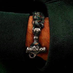Bratara Thor din textil verde si pandantiv Mjolnir Vikings