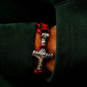 Bratara rosie Thor cu talisman din mitologia nordica Vikings